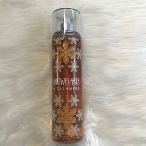 B&BW Snowflakes & Cashmere Fragrance Body Spray